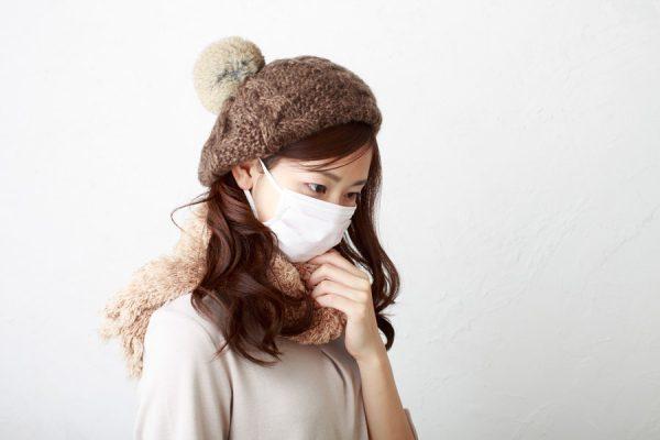 マスク 若い女性 ポートレート